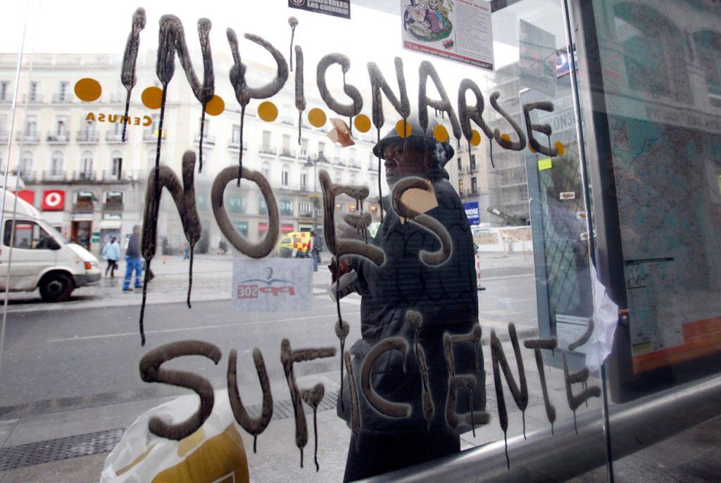 08 indignarse no es suficiente fuente colectivo daños colaterales - juan medina
